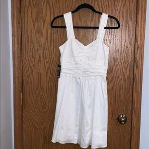 EXPRESS WHITE DRESS, Sweetheart cut